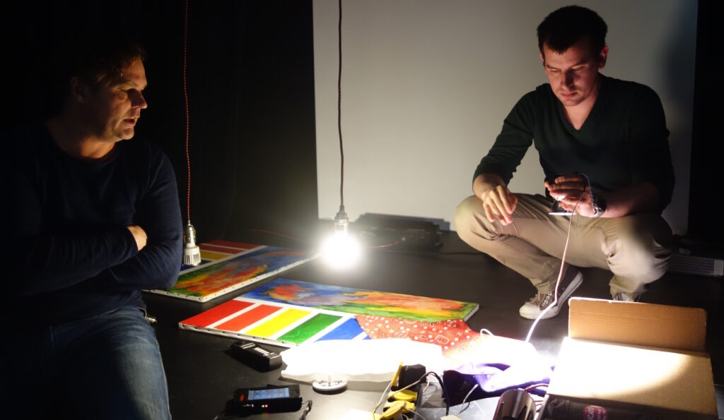 bekijken van led lichtbronnen door o.a. de kleurweergave door te meten en te bekijken op kleurkaarten